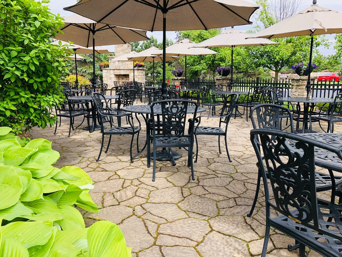 Al Fresco Dining!  The Patio Weather Forecast Looks Pretty Solid This Week! #patio #lunch #dinner #chill #relax r #outside #dining   #plymouth #annarbor #restaurant #karlscabin #karlscabinrestaurant