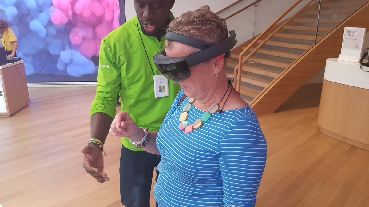My mum using a HoloLens for the first time, she loved it! 😀#MicrosoftLDN @akipman