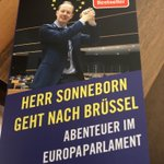 Image for the Tweet beginning: Urlaubslektüre ✅ - lehrreich, kurzweilig