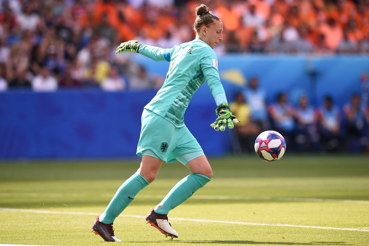 After an impressive display at the Womens World Cup, Atletico Madrid Women have signed Netherlands keeper Sari van Veenendaal. #FIFAWWC
