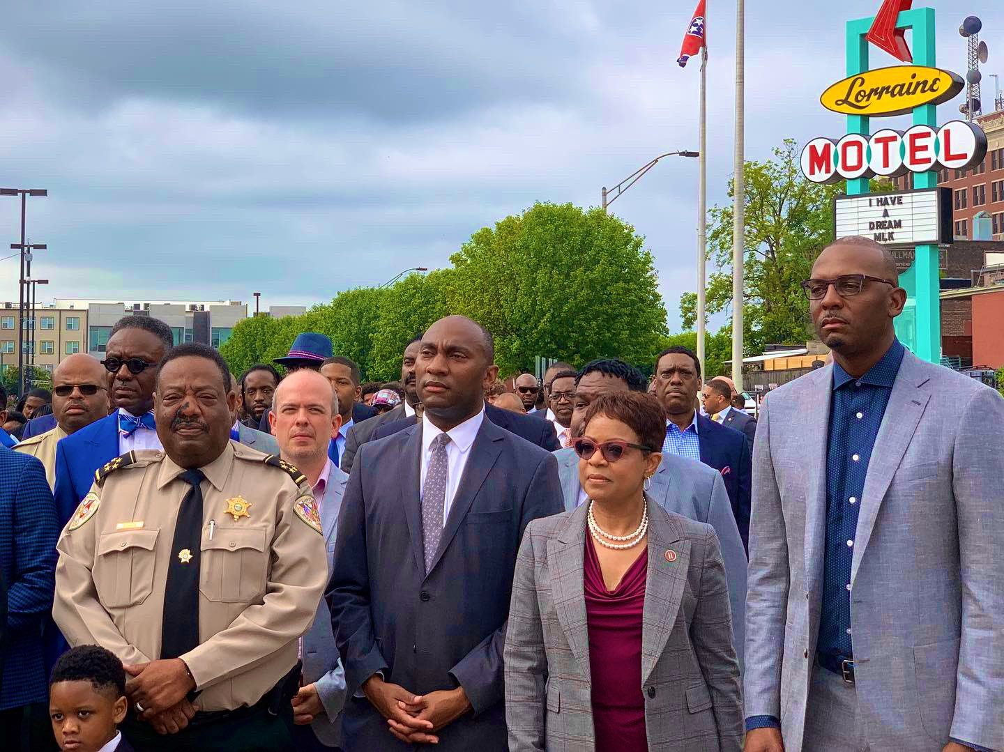 Memphis Tigers NCAA Basketball: Community Leaders 💯  Coach Hardaway and our staff joined city leaders this morning i...