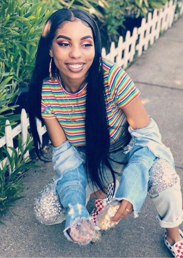 Today we honor the life of #NiaWilson, 18, who was stabbed to death by a white supremacist at a BART station in Oakland, California, on this day last year.   We will always say Nia Wilson's name.  #blackwomenradicals  #SayHerName #JusticeforNiaWilson<br>http://pic.twitter.com/mYkcVc0XdL