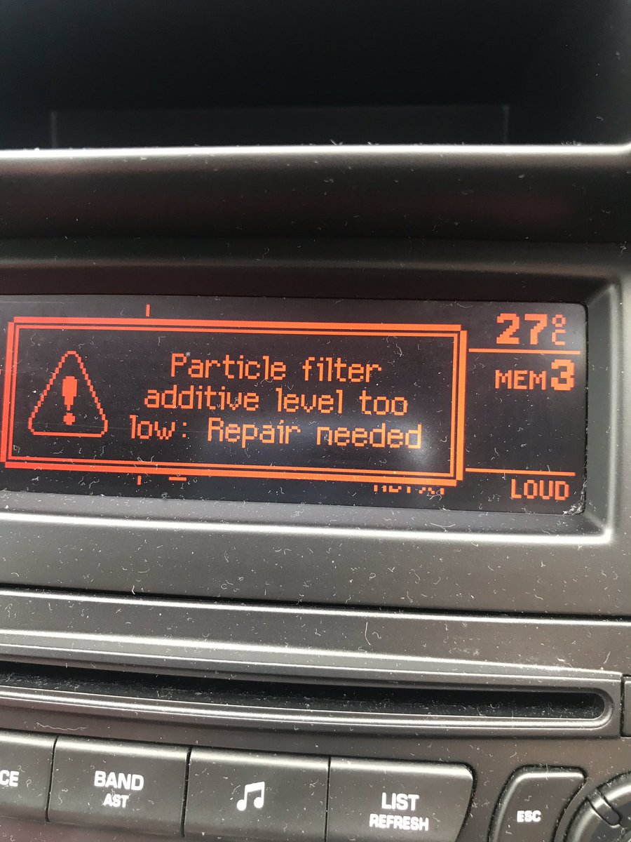Anyone any ideas 😴 garages all shut now 🤷🏼♀️ #carmechanic #mechanic #Peugeot #help