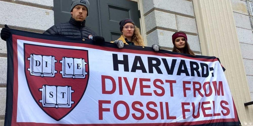 UPDATE: We have reached 71 signatures to urge Harvard to divest from fossil fuels, we need 100 people to sign this petition. THIS is how you can make a DIRECT change, right now! ⏬⏬⏬HERE⏬⏬⏬ campaigns.wedonthavetime.org/stop-investing…