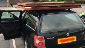 The driver of this car is in a shed load of trouble after their car is seen completely crammed full on the M1 near Sheffield: bbc.in/2Y63AdZ