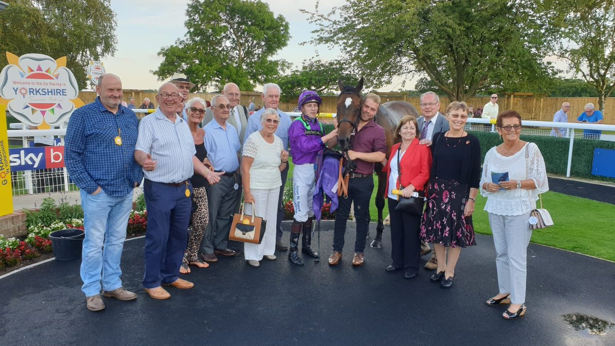 Luis Vaz De Torres wins at Beverley under apprentice Sean Davis. Well done to owners Let's Go Racing 1. Plenty there to welcome him back and a cuddle for Kieran leading up