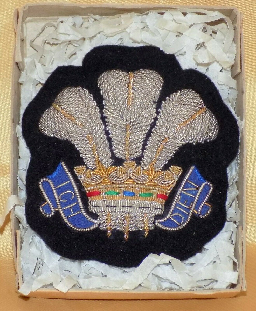 #Antiques #Militaria #Collectables #Jewellery #Auction - #Vintage Woven Gold Silver Wire Silk Prince of Wales Feathers Blazer Badge c1940s https://www.ebay.co.uk/itm/123845935339…