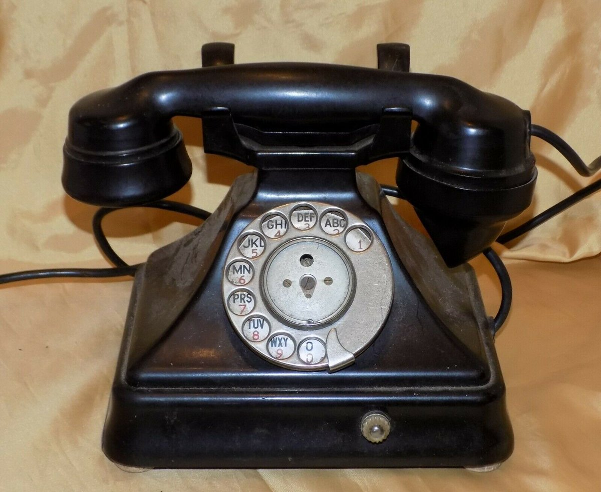 #Antiques #Militaria #Collectables #Jewellery #Auction - #Vintage SIEMENS BROTHERS Obsolete for Updating Black Bakelite Pyramid Telephone https://www.ebay.co.uk/itm/123845859565…