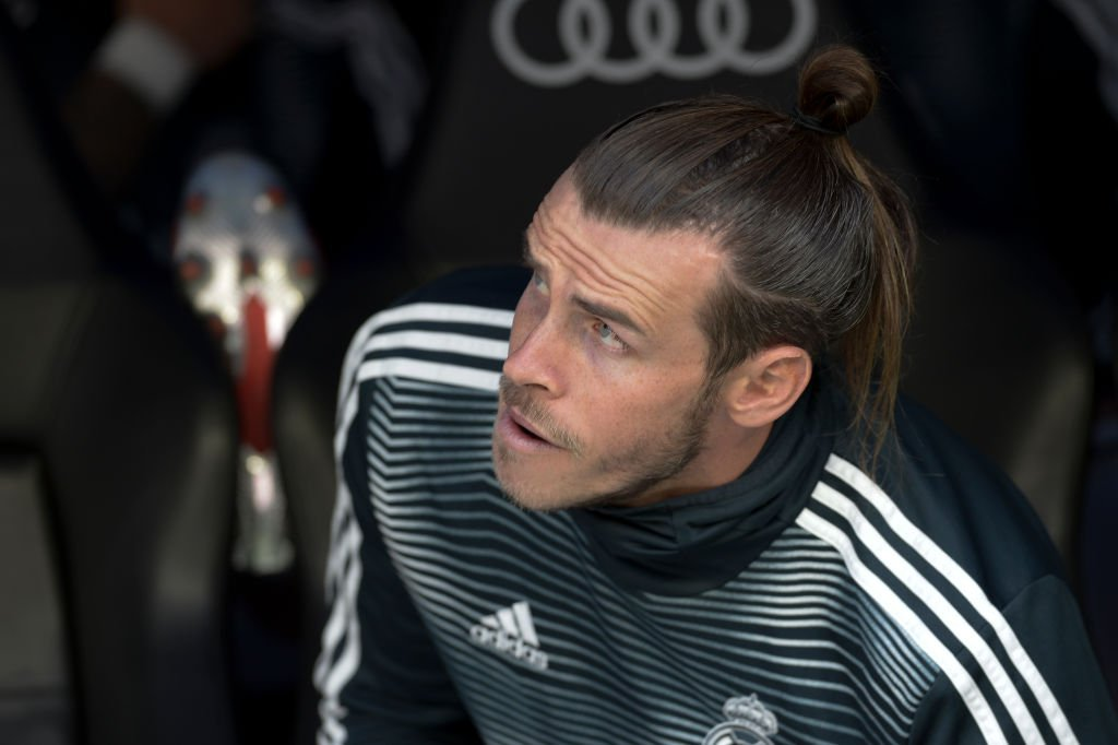 Zinedine Zidane has denied showing Gareth Bale disrespect as the row over the Welsmans Real Madrid future continues. Full story: bbc.in/2M8BNHl