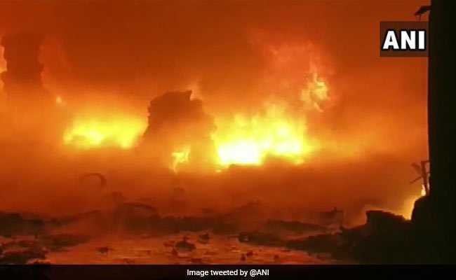 JustIn | Fire broke out in a chemical godown at #Bhiwandi in #Maharashtra Fire fighting operations are underway, reports news agency ANI.