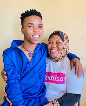 """""""My Mother Must Not Suffer"""" - Lyta Shares Throwback Photo With His Blind Mother (PHOTO)"""