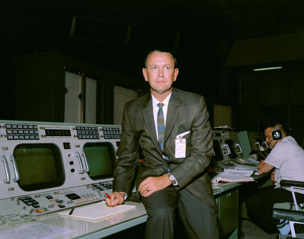 Were saddened by the passing of Chris Kraft, our first flight director. He was a space legend who created the concept of Mission Control during the early human spaceflight program and made it an integral part of the Mercury, Gemini and Apollo missions. He was 95.