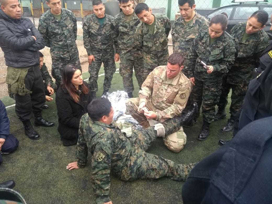 .@WVNationalGuard trains Peruvian Armed Forces personnel in aerial medical evacuations.  Read more about how the @NationalGuard preserves freedom through partnerships:  https:// go.usa.gov/xyyef       #Allied2Win<br>http://pic.twitter.com/ZbqdDzSMov