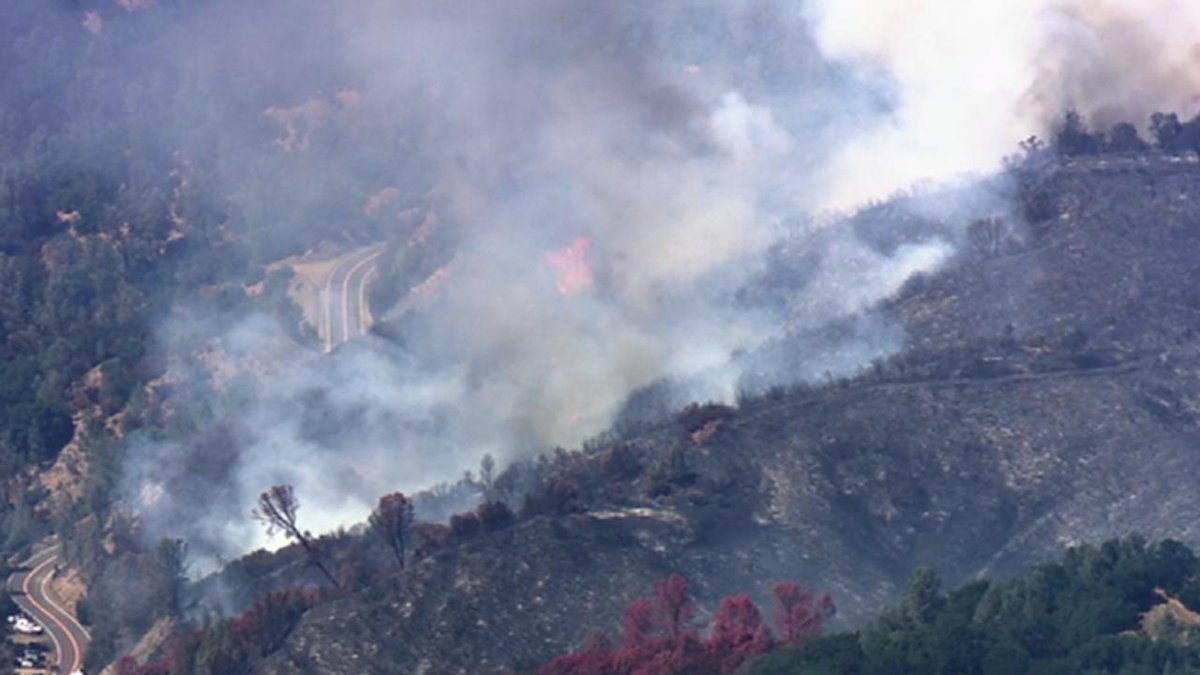 Wildfire in Napa prompts evacuation and road closure