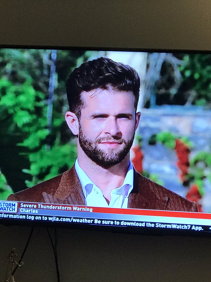 That poop brown suit #TheBachelorette <br>http://pic.twitter.com/ws8JkKfOma