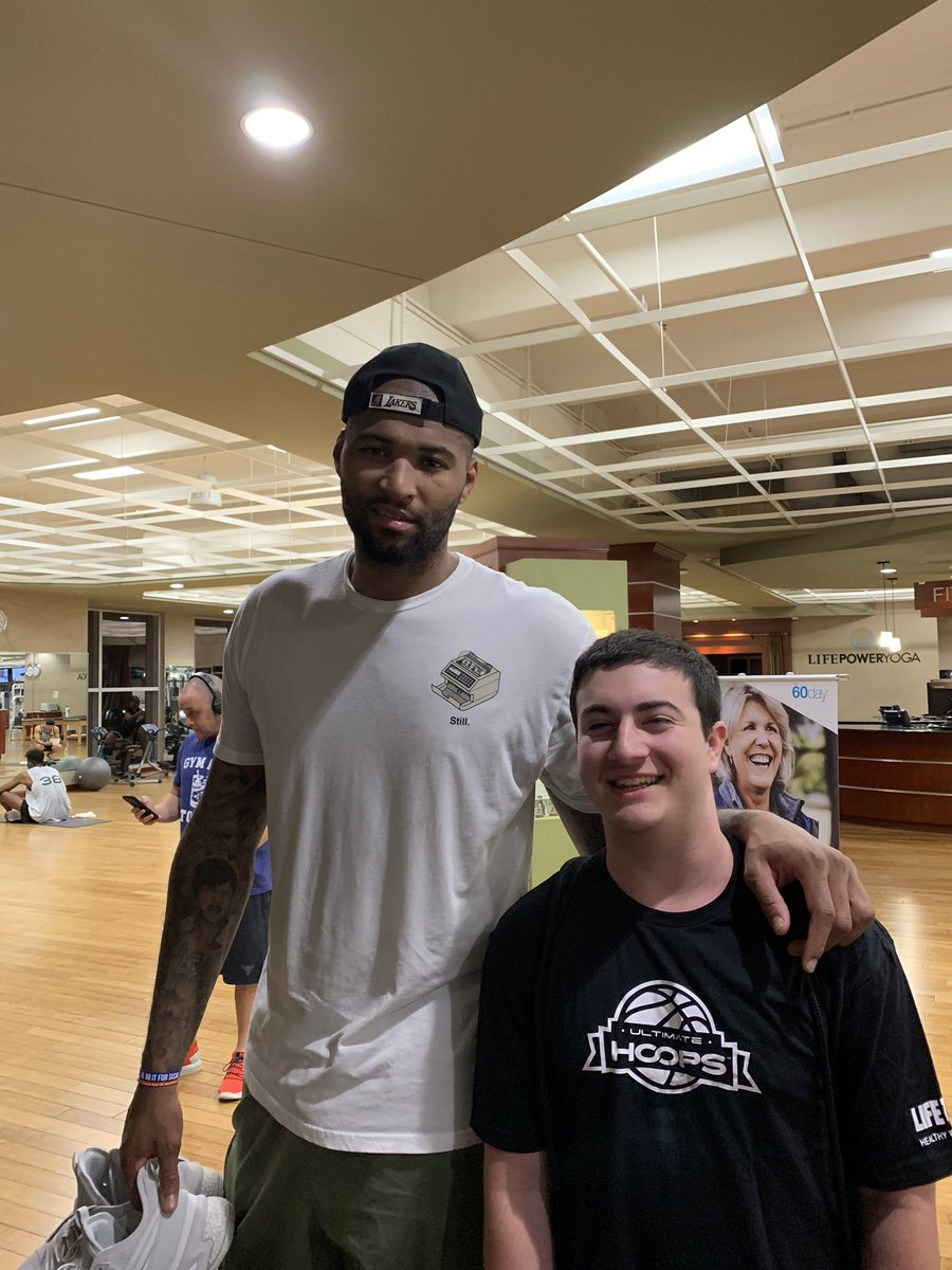 Never did I ever think I would be working the scores table at lifetime fitness and get a chance to watch one the best NBA players hoop. Thank for the picture after the game @boogiecousins . https://t.co/2Dd3v7ai3X