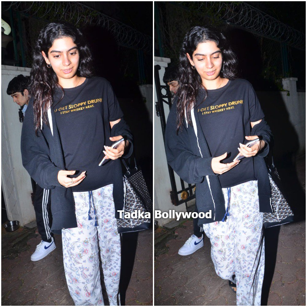 Khushi Kapoor visits brother @arjunk26 's house   #khushikapoor #arjunkapoor #khushi #arjun #bollywood #monday #tadkabollywood #bollywood #starkid