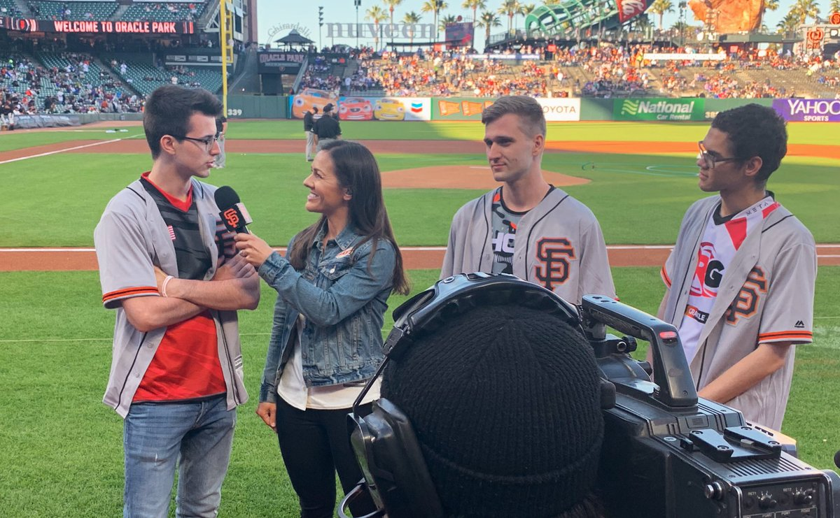 Look ma we're on tv!   Thank you to the @SFGiants for treating us like family today! #BayAreaUnite<br>http://pic.twitter.com/Kj0k4FZlPu