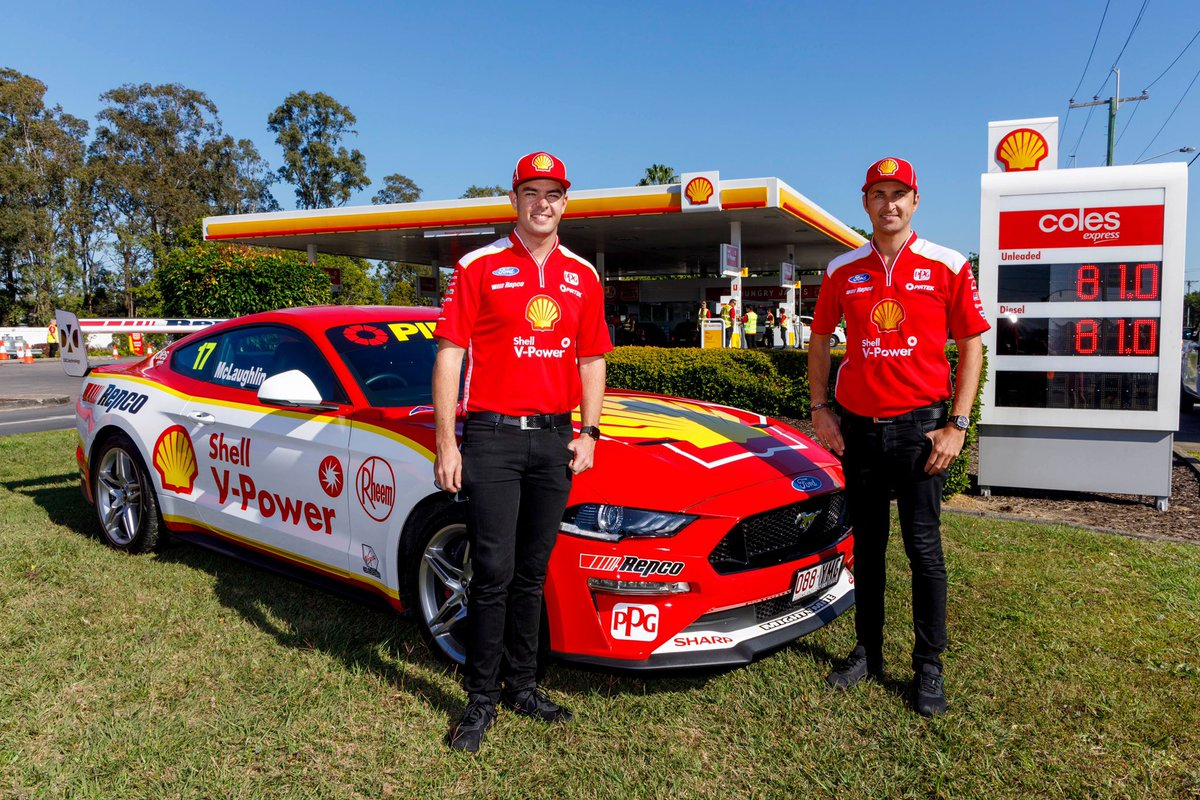 What a morning it was down at Shell Coles Express - Rocklea. The service station offered 81c/litre fuel for an hour to help celebrate 81 poles and wins as the Shell V-Power Racing Team  #VASC<br>http://pic.twitter.com/Xr1DXm1tU2