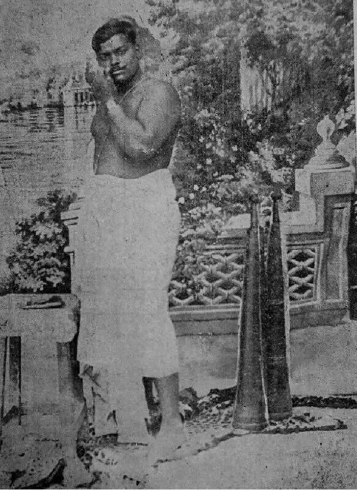 Remembering the man who never surrendered himself to the British 🇬🇧 rule , Tributes to #ChandrashekharAzad  on his birth anniversary 💐 #JaiHind #ChandrashekharAzad