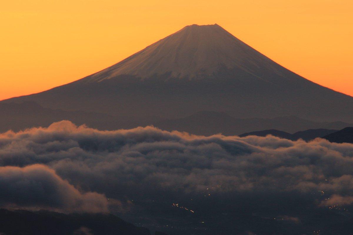 長野の画像…送りたいけどネタが…ない。せっかくなんで去年初めて行った高ボッチ高原の画像をば。ここ以外にも富士山が狙えそうなとこがあるからそっちも探して行ってみます。  #リゾナビ2019  #ヤママキ  #今日もダイは元気