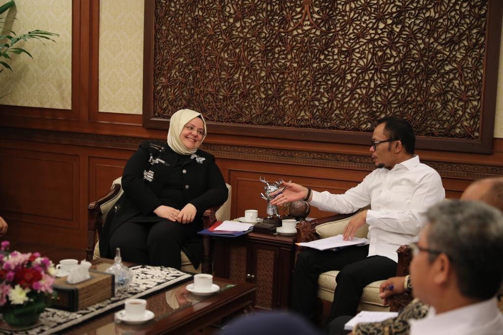 Endonezya Cumhuriyeti İşgücü Bakanı Sn. Hanif Dhakiri ile görüşmemizde çalışma hayatı politikalarımıza dair ülkelerimiz arası tecrübe paylaşımı için fikir alışverişinde bulunduk.