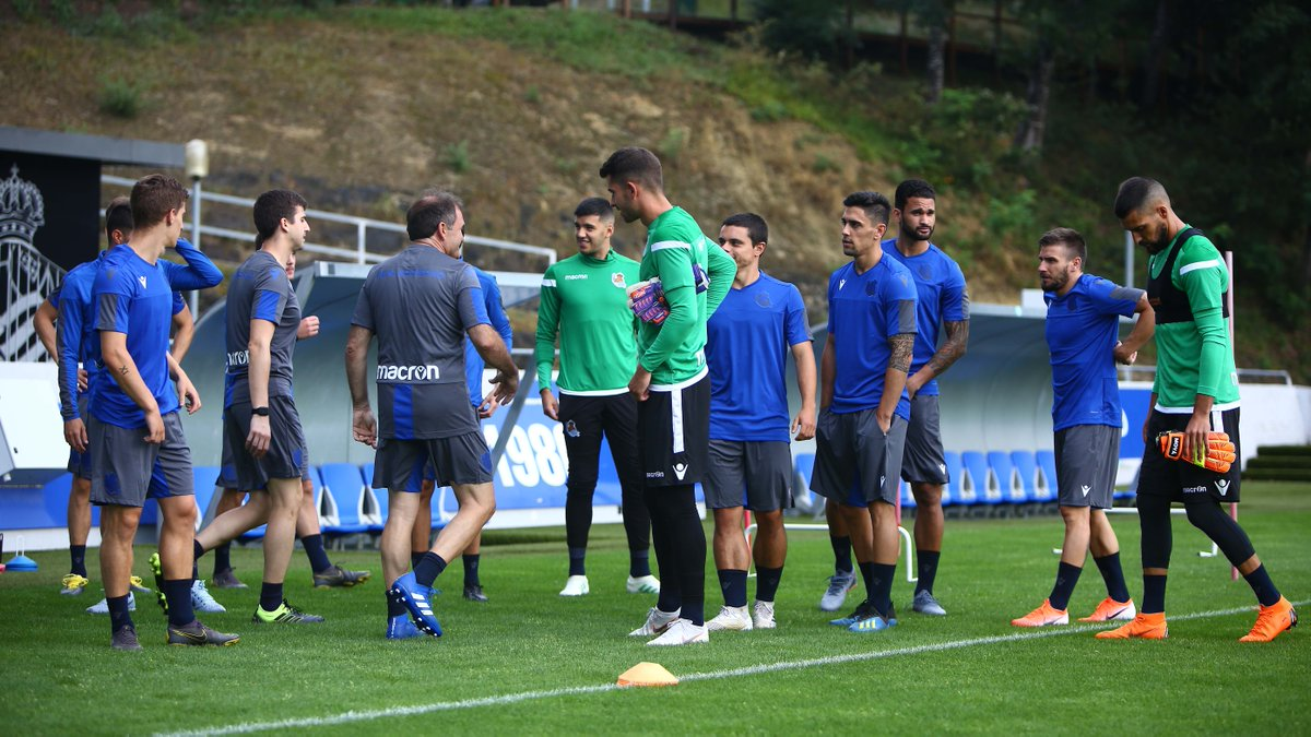 Good morning! Today's session will start at 10:00! We'll be waiting for you at Zubieta! 💙⚪️  #AurreraReala #RealSociedad