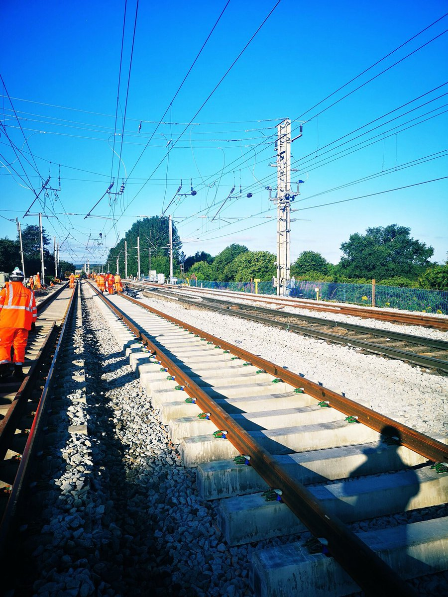 EAJSXOjX4AEn7uK - Britain's biggest rail controversy - with some solutions