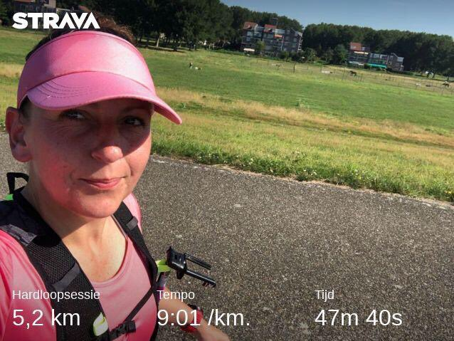 W08D6 - Easy Run and a slow slow, hot hot one 🥴☀️🔥 back to training after a nightshift week with one run only 3,5k and a Disney Day. #run #running #runningmotivation #runner #runhappy #runninglife #training #trainingfor #36kchallenge