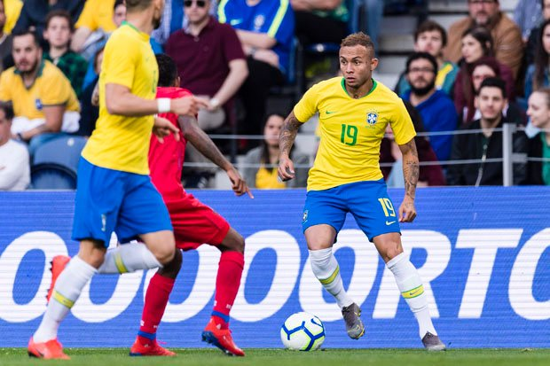 Everton Soares is edging closer to an Arsenal move - thanks to one man. What do you think of that, #AFC fans? dailystar.co.uk/sport/football…