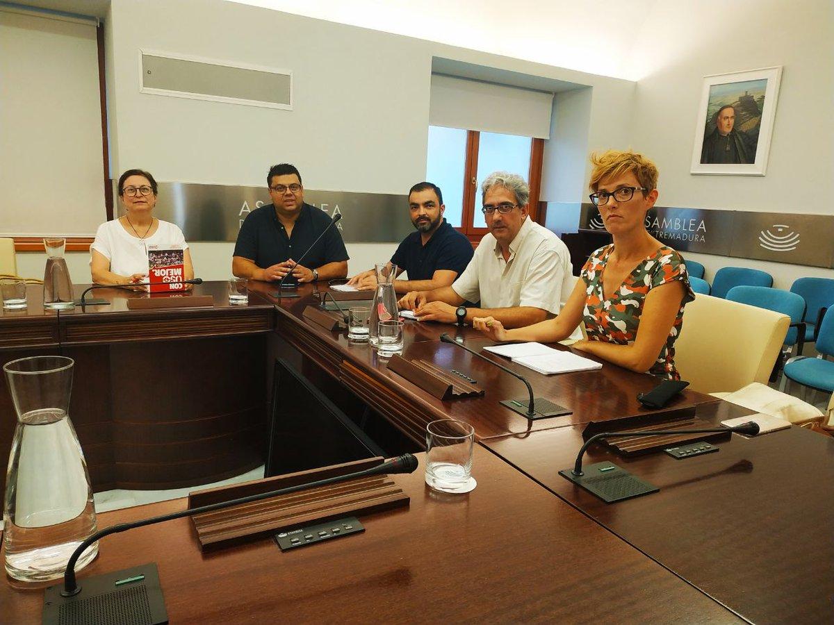 🔴 Hoy tenemos mañana intensa de trabajo y reuniones. 📸 Nuestro diputado @JoaquinMaciasIU conociendo las principales reivindicaciones del sindicato @USOExtremadura