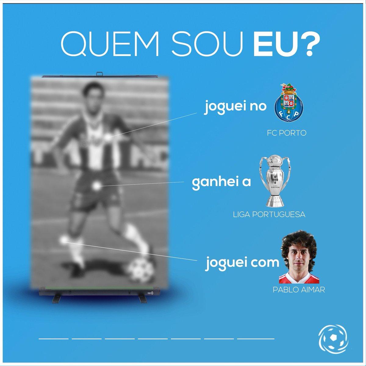 """🤔 MAS QUEM SERÁ? 👤  Ganhou o campeonato português, foi colega de """"El Mago"""" Aimar e jogou no clube azul e branco. Sabes de quem falamos no #QuemSouEu? 🔵🏆"""