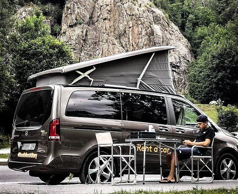 Atleta #PauCapell se desplazó a los #Alpes en #autocaravana para entrenar el recorrido de #ultratrail de la #UTMB 2019 y memorizar partes del trazado que pueden ser decisivas durante la carrera de #montaña de 170 km y 10.000 m+ Te lo explicamos AQUI ➡️ bit.ly/2XZi97R