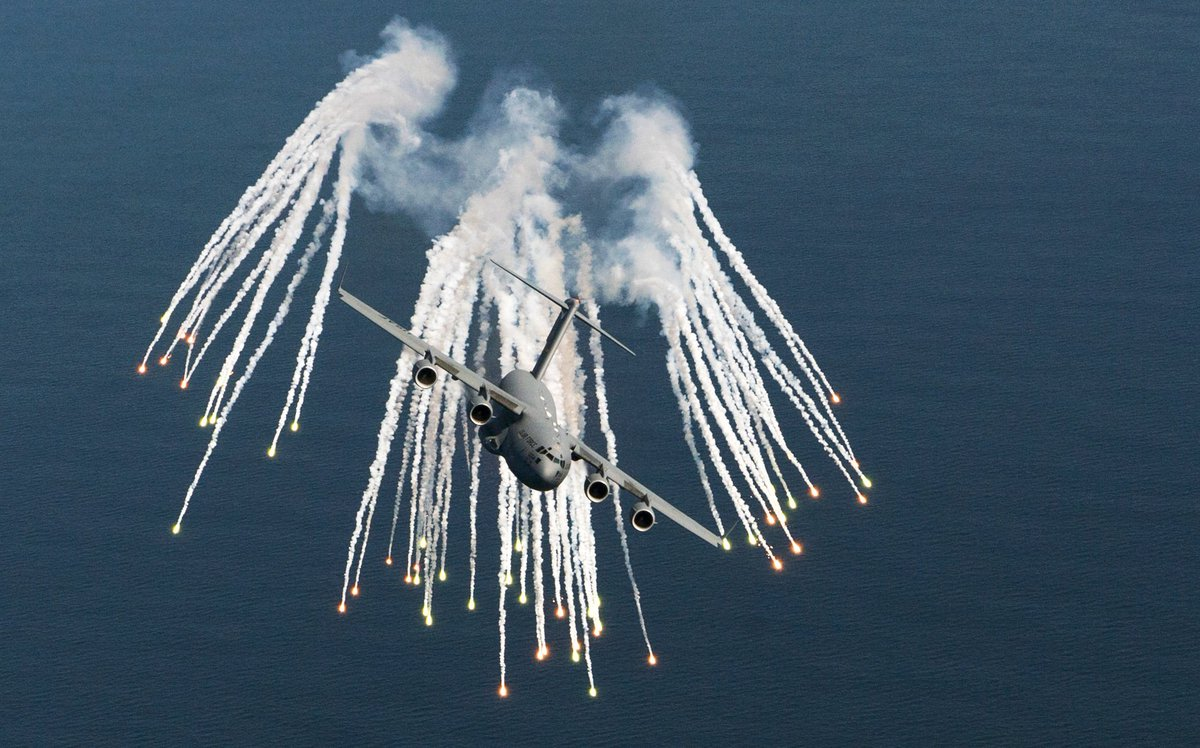 Top Gun 3: Mav joins the Air Force and flies C-17s for Joint Base Charleston... Id watch that. #TomCruise #TopGunMaverick #TopGun2 #TopGun #C17 #Military #Charleston #USAF