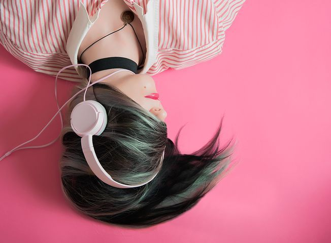 #AD: My top 10 podcasts to brighten your day! What are your favourite podcasts? https://buff.ly/30C9p4s #podcasts #northeasthour