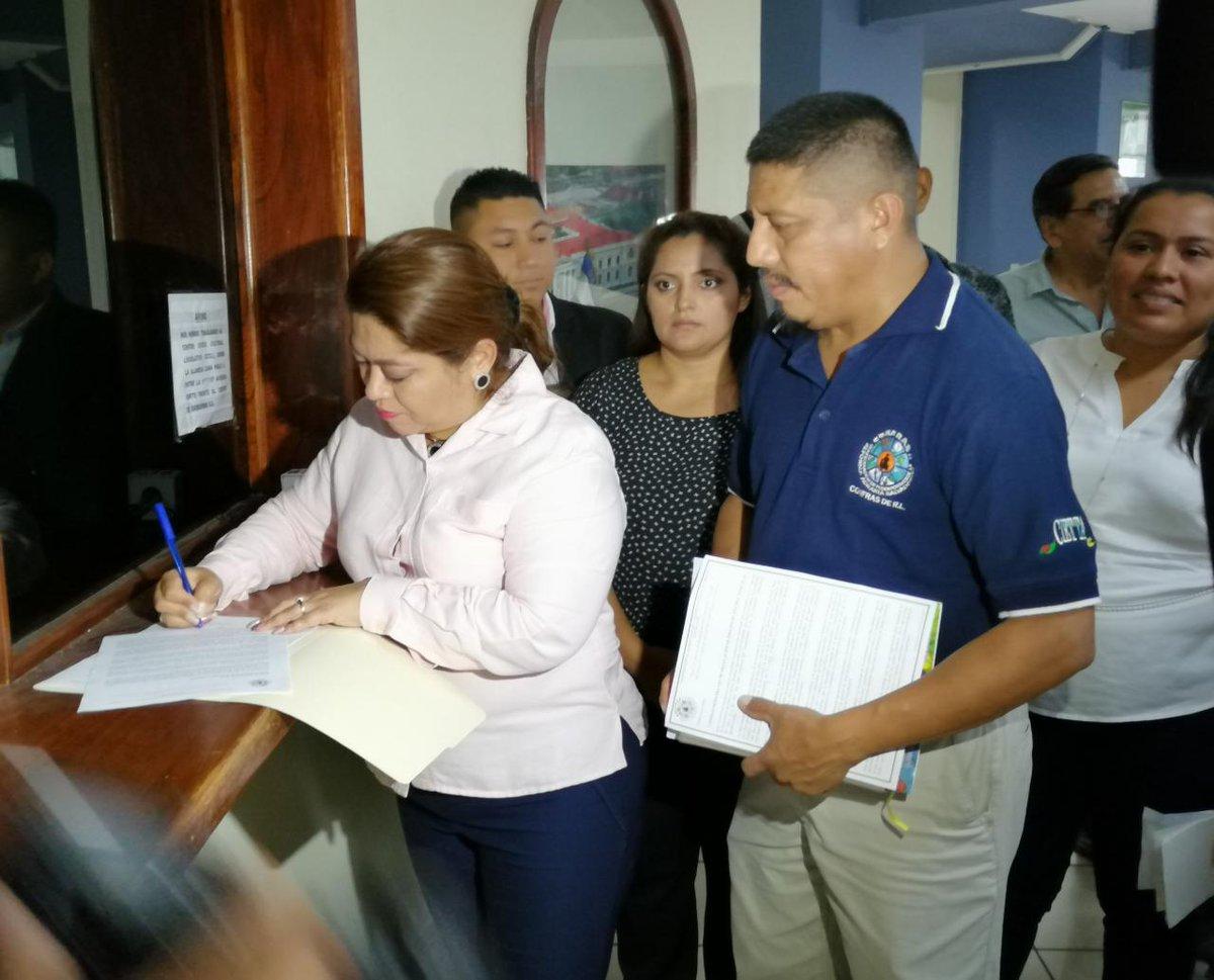 FMLN pide regular precios de los insumos agropecuarios