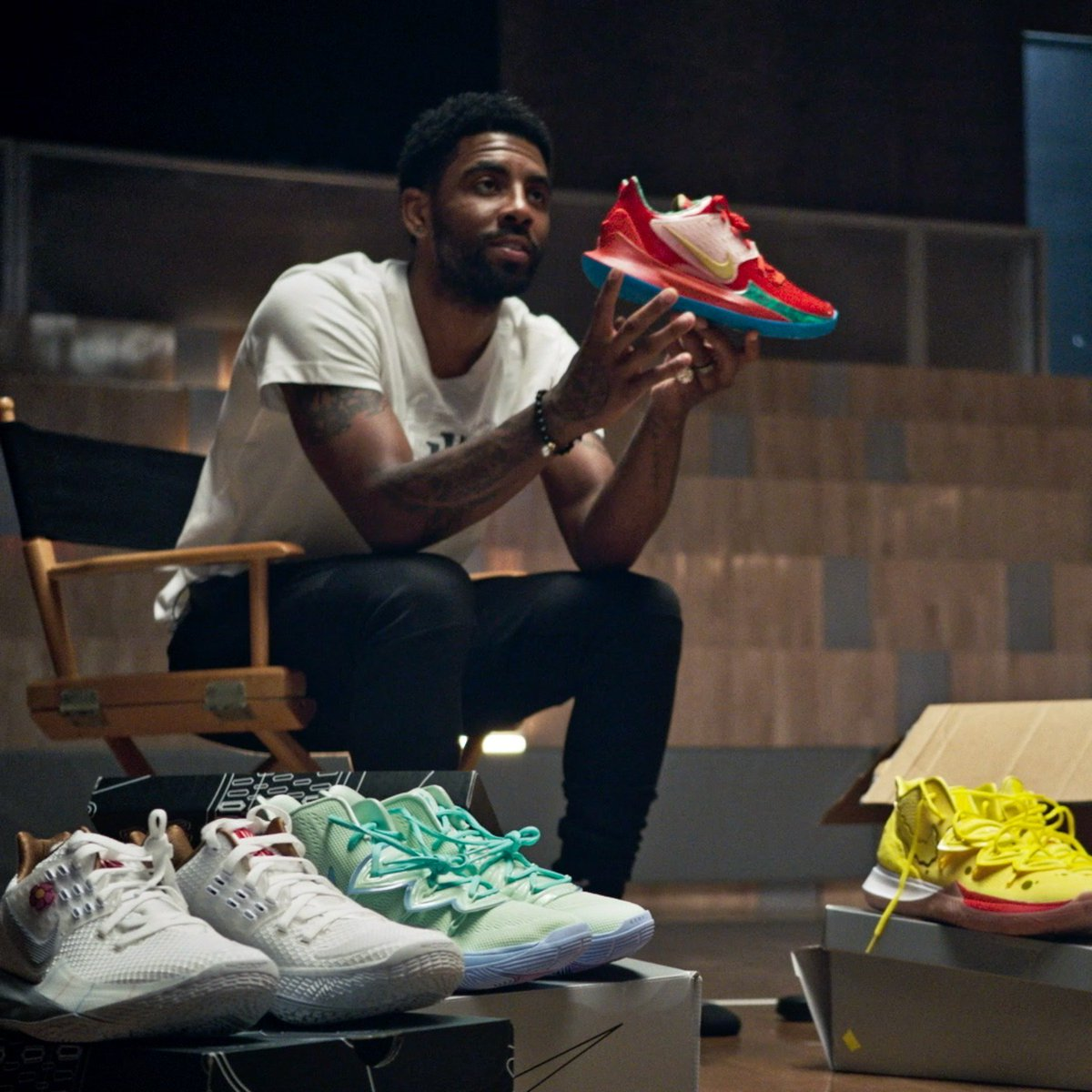 In collaboration with @Nickelodeon, the Kyrie x @SpongeBob SquarePants collection celebrates @KyrieIrving's love for one of television's most memorable shows under the sea.  Available in SNKRS Aug. 10: http://smart.link/5d36397dadbe0  #kyrie5 #spongebob #nike