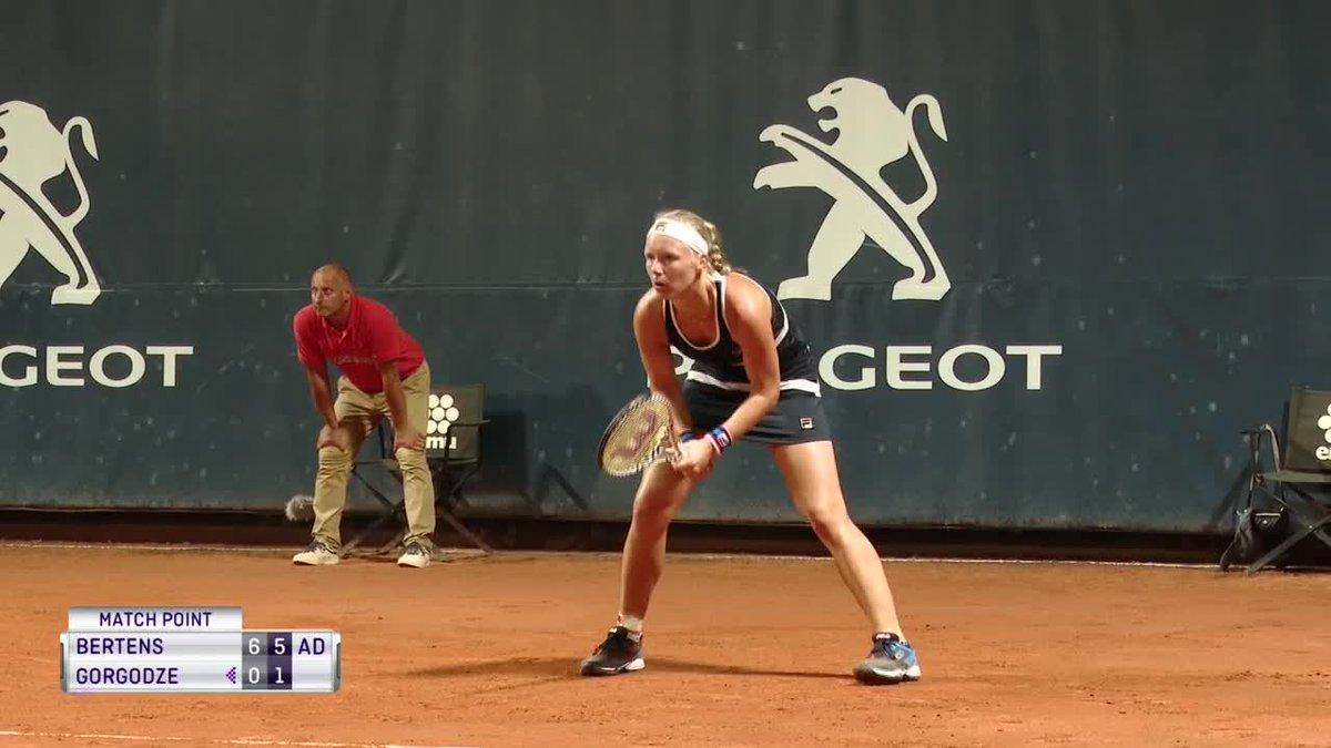 Kiki Bertens wint van Ekaterine Gorgodze in Palermo