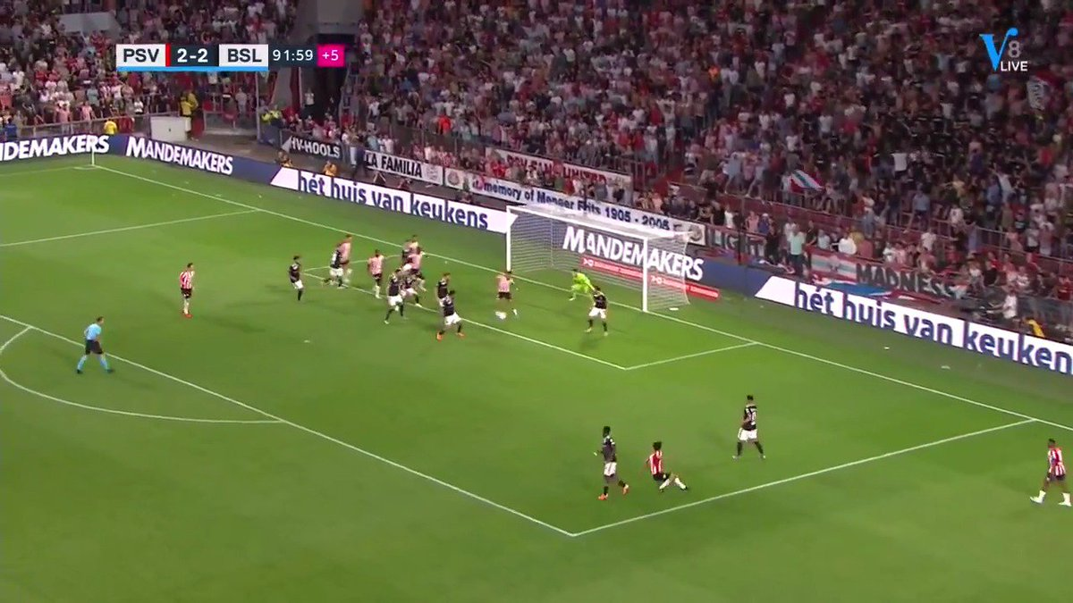 PSV - FC Basel 3-2 door Donyell Malen