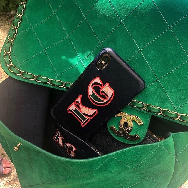 Chanel's ideal tech sidekick 💚 @kegrand. Six different Chaos Circus Font colour pops to choose from!! Link in bio  #chaosclub #litaf @chanelofficial #fashiontech #chanelpharrell #leatheraccessories #chanelbag https://t.co/okBjo3Tb4J https://t.co/3XzxiUMw6B