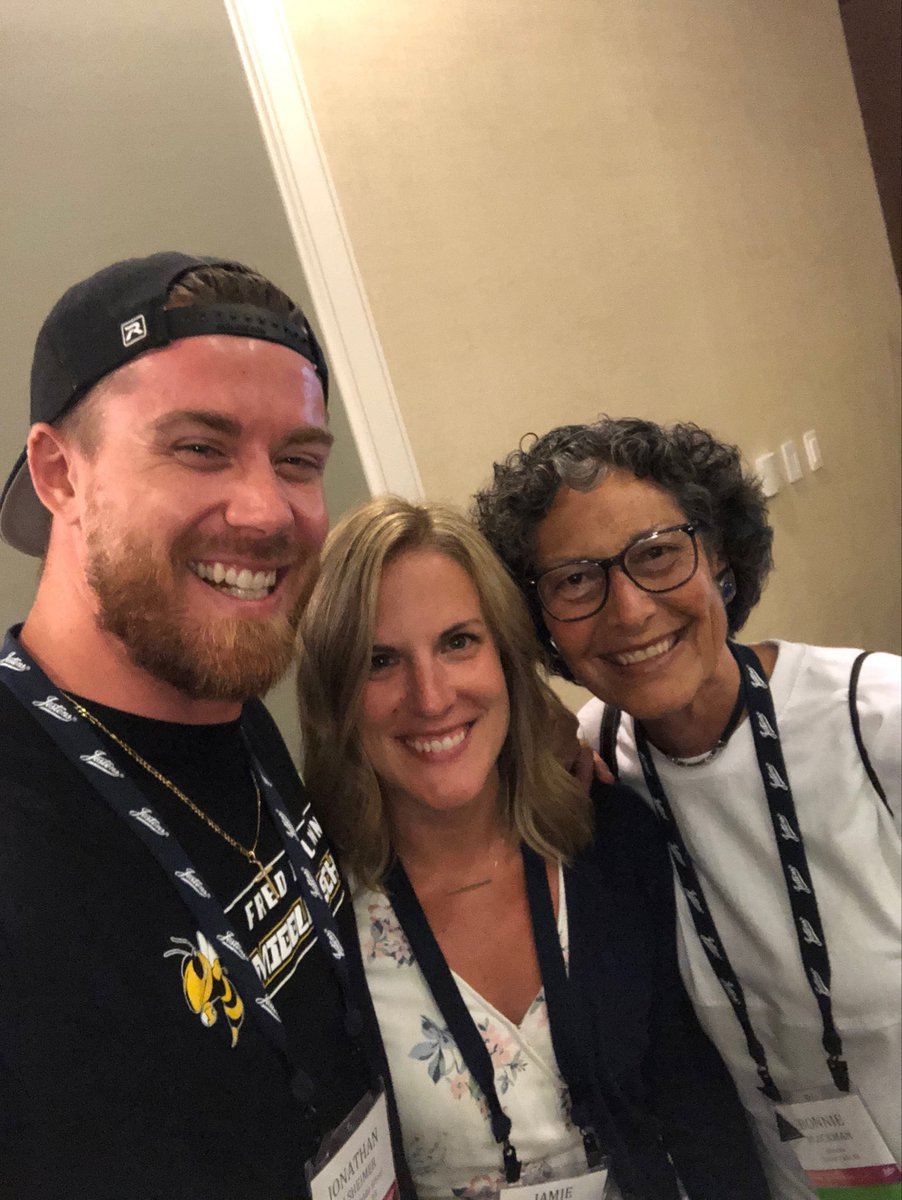 When you get to meet ⁦@mr_Alsheimer⁩ and ⁦@MrsAlsheimer⁩ at the ⁦@brewerhm⁩ book signing you make it official with a selfie. #JRNC19 #relentless