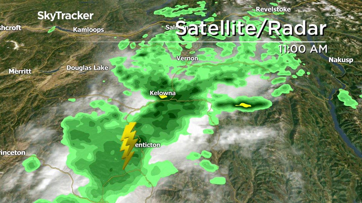 Thunderstorm pushing through #Penticton & another one bringing heavy rain to #Kelowna late this morning @GlobalOkanagan http://trib.al/Fwo9i9R #Vernon #Okanagan