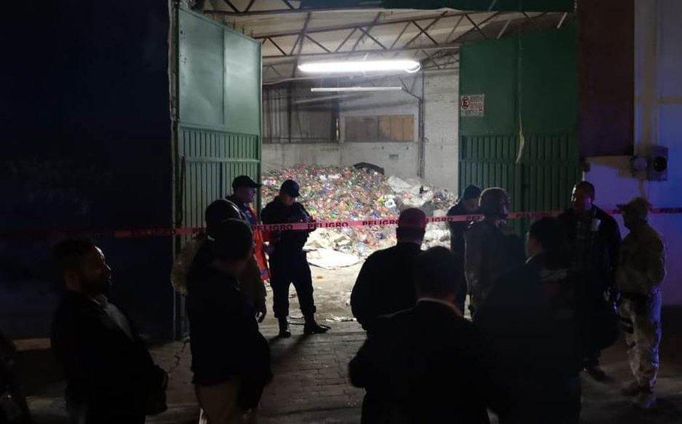 #ValleDeMéxico Resguardan #TomaClandestina en @AlcaldiaMHmx, piden evitar la zona | Enfoque Noticiashttps://enfoquenoticias.com.mx/noticias/resguardan-toma-clandestina-en-miguel-hidalgo-piden-evitar-la-zona…