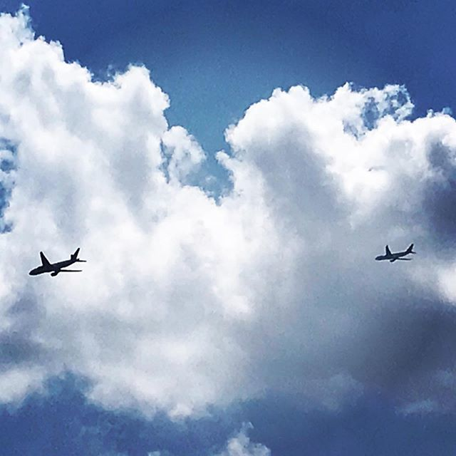 #twofortuesday #planes #avion #sky #blue #azul #vuelo #flying https://ift.tt/2Yermo6