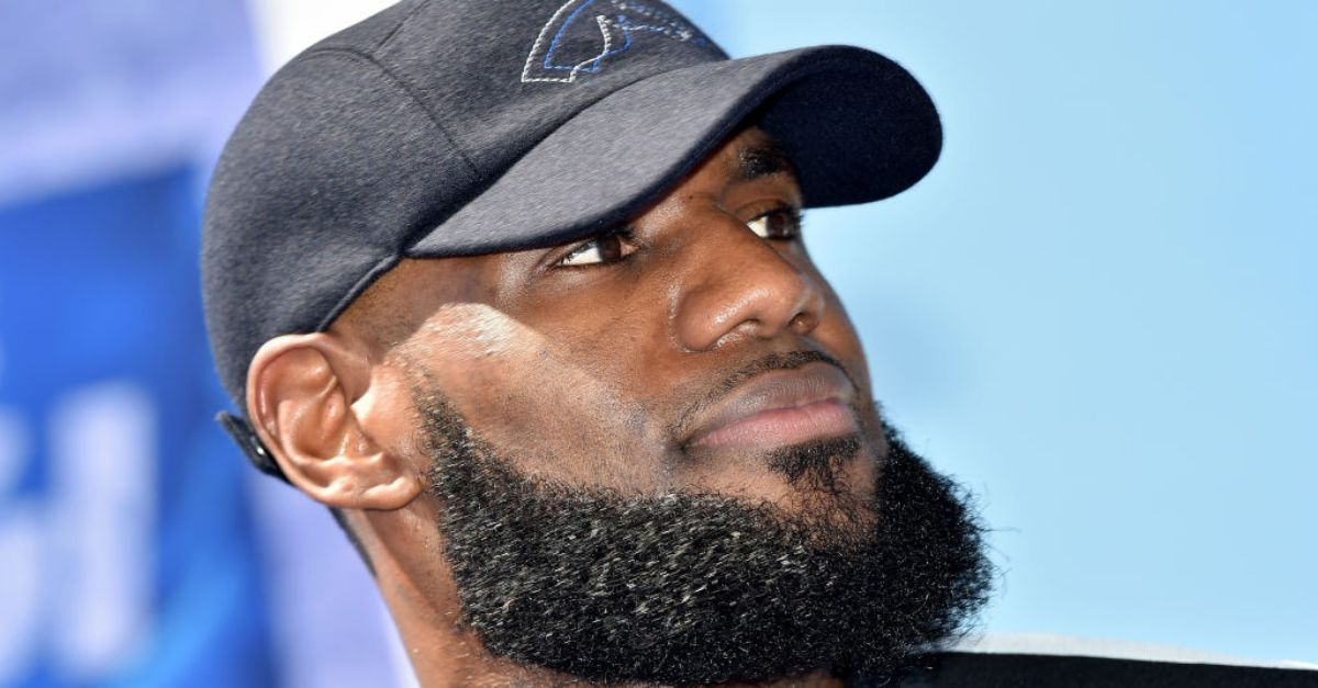 LeBron James Scores Big With Walmart Partnership To Help Feed Families In Need. The future NBA Hall of Fame forward has teamed up with Walmart to fight hunger across the country. https://t.co/VdZfxlxNey via @Blavity https://t.co/JBeoB68SEp