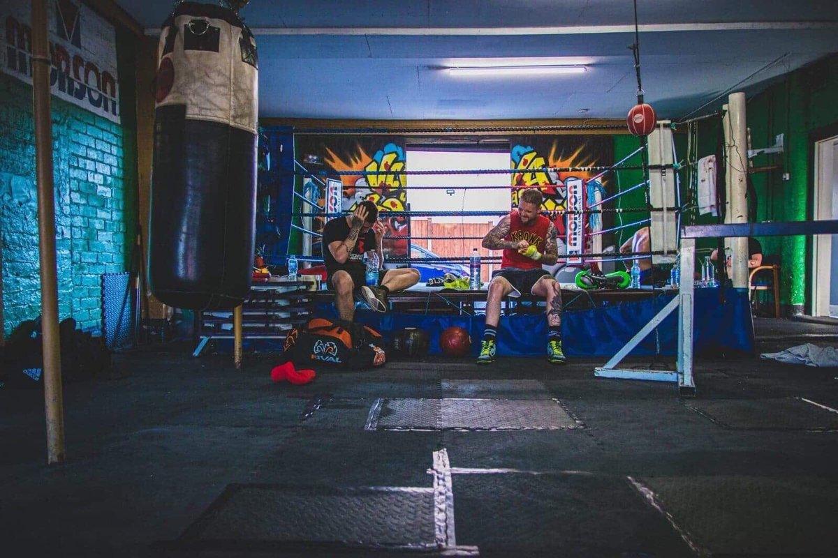 Two Rulers 👑   #kieranfarrellpromotions #fightnight  #boxeoprofesional #boxing #motivation #success #abundance #prospect #fighter #hardwork #hardworkpaysoff #manager #positivity #risk #workethic #ambition #dreams #commitment #dedication #mindset #manchester #positivemindset