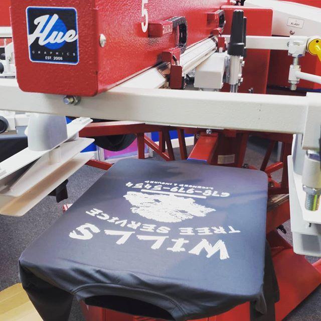 #work #job #myjob #company #grind #dayjob #ilovemyjob #business #workinglate #computer #business #design #custom #tshirts #graphics #screenprint #largeformat #printing #versacamm #cmyk #apparel #customapparel #creative #banners #signs #smallbusiness #ryogram #screenprinting …