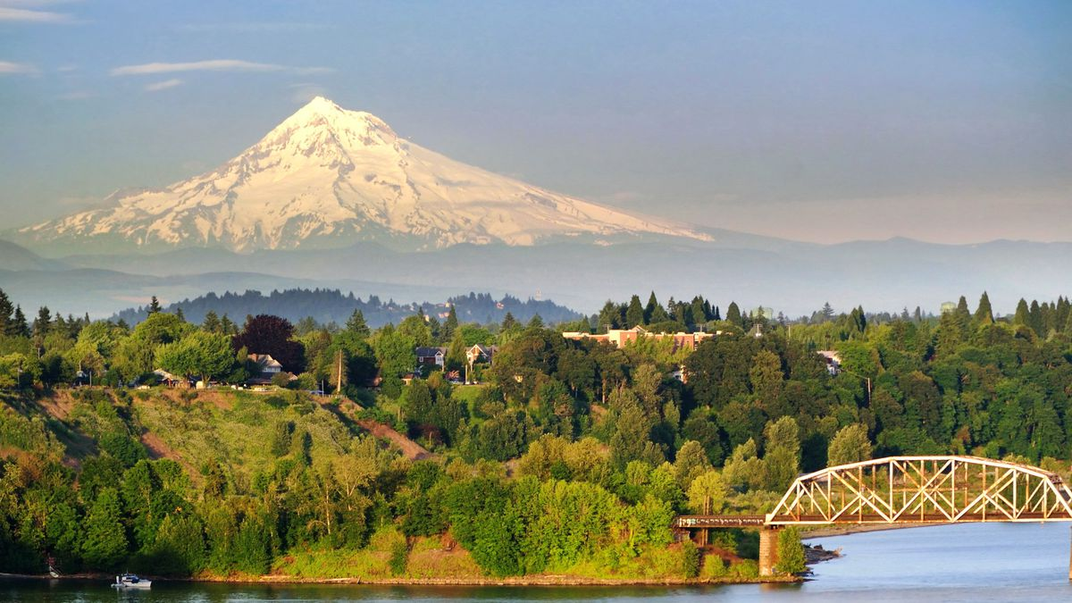Pretty in Portland: Flights to Oregon, USA from £285 return incl. meals & bags http://dlvr.it/R8y6Rf  #Business #Motogp #F1 #Formula1 #quote #flying #Classics #Heaven