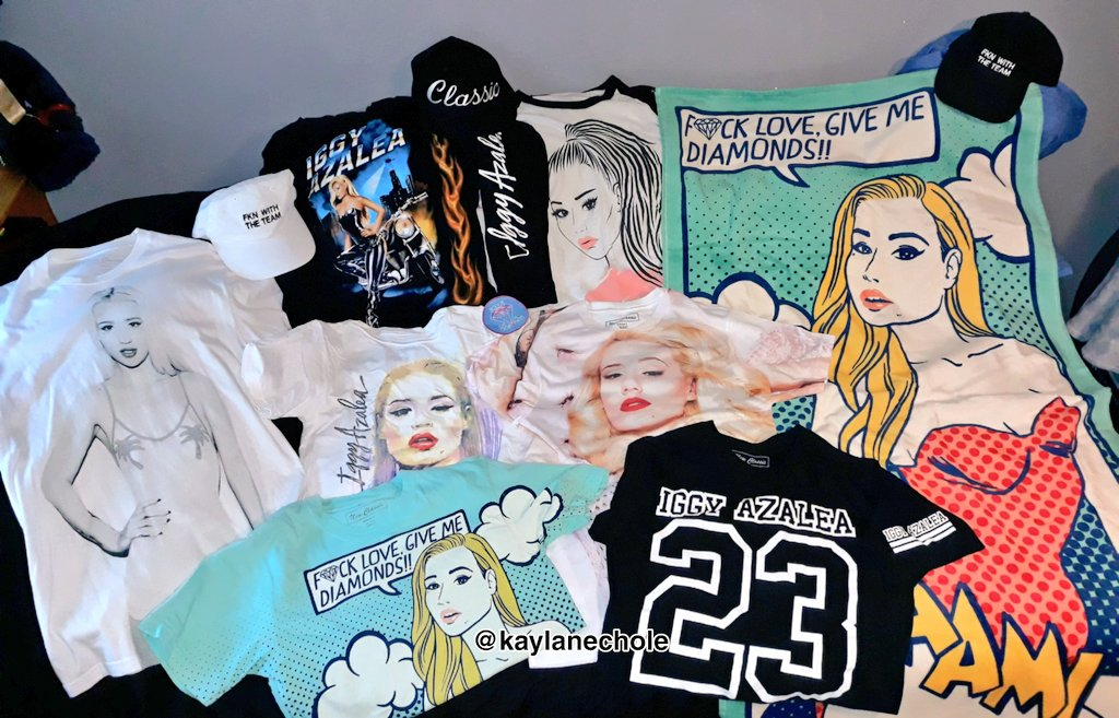 like literally I've bought pretty much everything @IGGYAZALEA lol Just waiting for my #InMyDefense merch to arrive 🤗😍#TheNewClassic #STARTED #SallyWalker