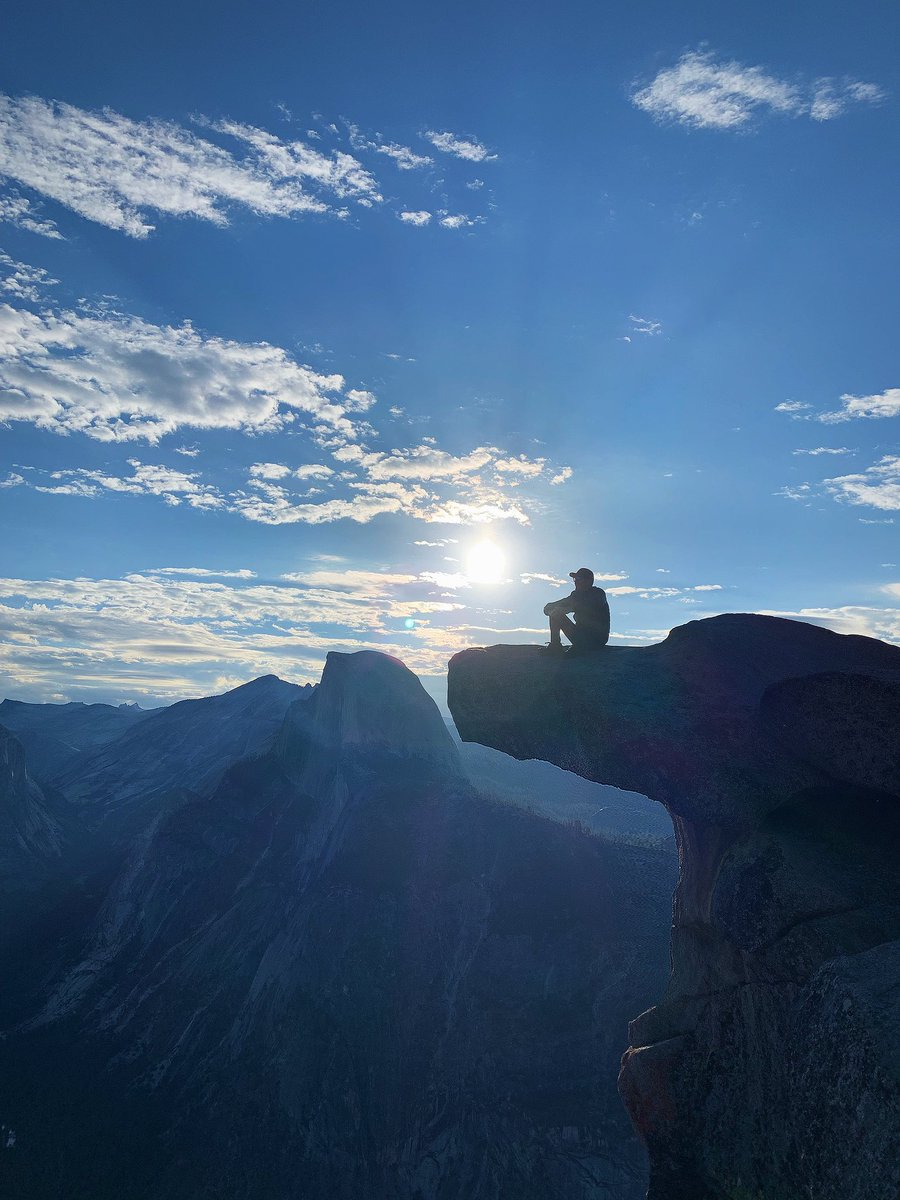 On top of the world. #yosemite 👌🏽